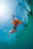 Little girl in swimming pool — Stock Photo