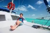 Little boy at luxury yacht — Stock Photo