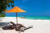 Idyllic tropical beach at Maldives — Stock Photo