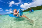 Bambini in vacanza — Foto Stock