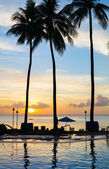 Beautiful sunset at beach — ストック写真