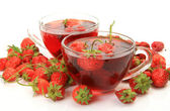 Strawberry tea and berries — Foto de Stock