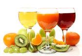 成熟的水果和果汁 — 图库照片