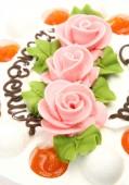 Pie with roses — Stock Photo