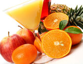 Ripe fruits and juice — Stock Photo