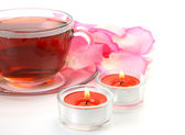 Tea and rose petals — Stockfoto