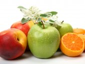 Ripe apples and oranges — Stock Photo
