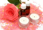 Aromatic oil and rose — Stockfoto