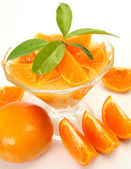 Ripe tangerines and juice — Stock Photo