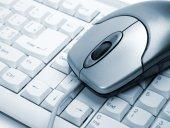 Počítačová myš na klávesnici — Stock fotografie
