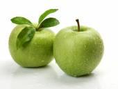 Green ripe apples — Stock Photo
