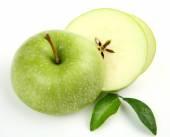 Green cutting ripe apple — Stock Photo