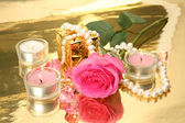 Aroma Pink rose with candles — Stock Photo