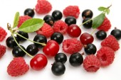 Currants, cherries and raspberries — Stock Photo