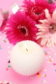 Candle and flowers as decoration — Stock Photo