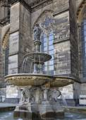 Lion statue and fountain on the square near Cologne cathedral — Stock Photo