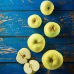 Green apple — Stock Photo #80646794
