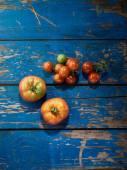 Organic tomatoes — Stock Photo