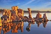 Picturesque sunset at Mono Lake — Stock Photo