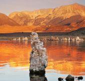 Sunset on Mono Lake — Stock Photo