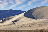 A thin ridge of dunes  — Stock Photo