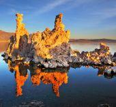 The sunset on Mono Lake — Stock Photo