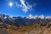 Sunny day in early autumn Austrian Alps — Stock Photo