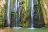 Three-jet waterfall in northern Israel — Foto de Stock