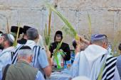 The religious Jews in traditional robes tallit — Foto Stock