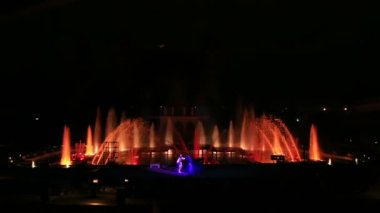 Krizik Fountain performance in Praque (night show). — Stock Video