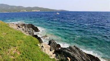 Ship is in the Aegean Sea. Sithonia peninsula. Northern Greece. — Stock Video
