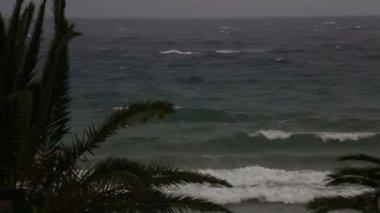 Storm på Egeiska havet. Sithonia halvön. Norra Grekland. — Stockvideo