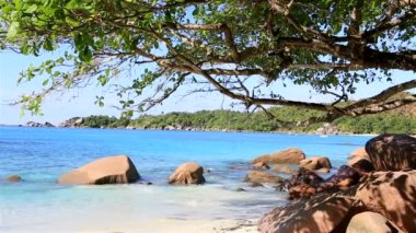 Beautiful beach Anse Lazio. — Stock video