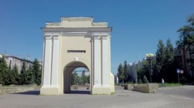 Tarskie gate - the first gate historic Omsk fortress. — Stock Video
