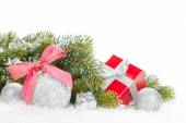 Christmas colorful decor, gift box and snow fir tree — ストック写真