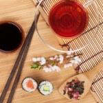 ������, ������: Sushi maki set with tea
