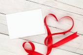 Greeting card and valentines heart — 图库照片