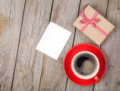 Coffee cup and gift box — Stock Photo
