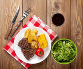 Steak with grilled potatoes — Foto de Stock