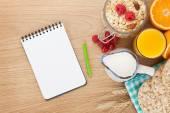 Healty breakfast with muesli — Stock Photo