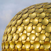 Golden Temple in Auroville — Stock Photo