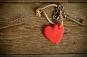 Handmade Heart with key together lying on a wooden  board — Foto Stock