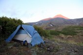 Camp near of Avachinskiy volcano. — Stock Photo