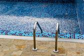 Empty swimming pool — Stock Photo
