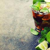 Fresh mojito drink — Stock Photo