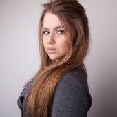 Young sensual & beauty model girl pose in studio. — Stockfoto