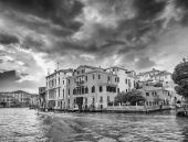 Homes of Venice along Grand Canal. Canal Grande - Venezia — Stock Photo