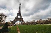 Eiffel Tower with vegetation — Stock Photo