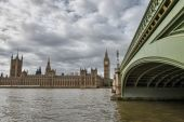 Westminster Bridge and Houses of Parliament — Stock Photo