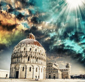 Sunset sky over Pisa Baptistery - Miracles Square in winter — Stock Photo